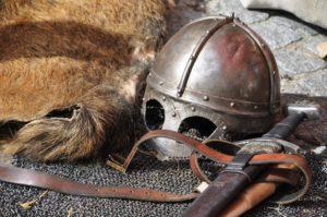 sve knight-armor-helmet-weapons-161936