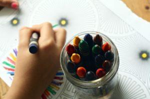 crayons-1445053_1280 sve